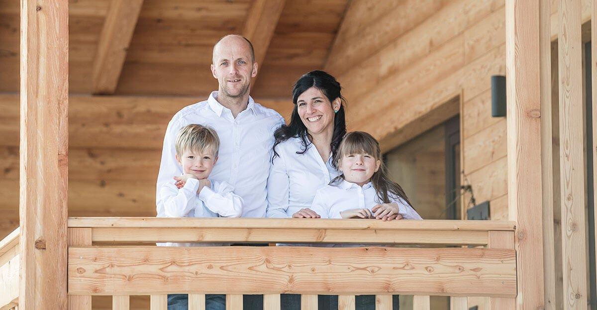 Familie Tschöll heißt Sie herzlich auf dem Feichterhof im Eisacktal willkommen