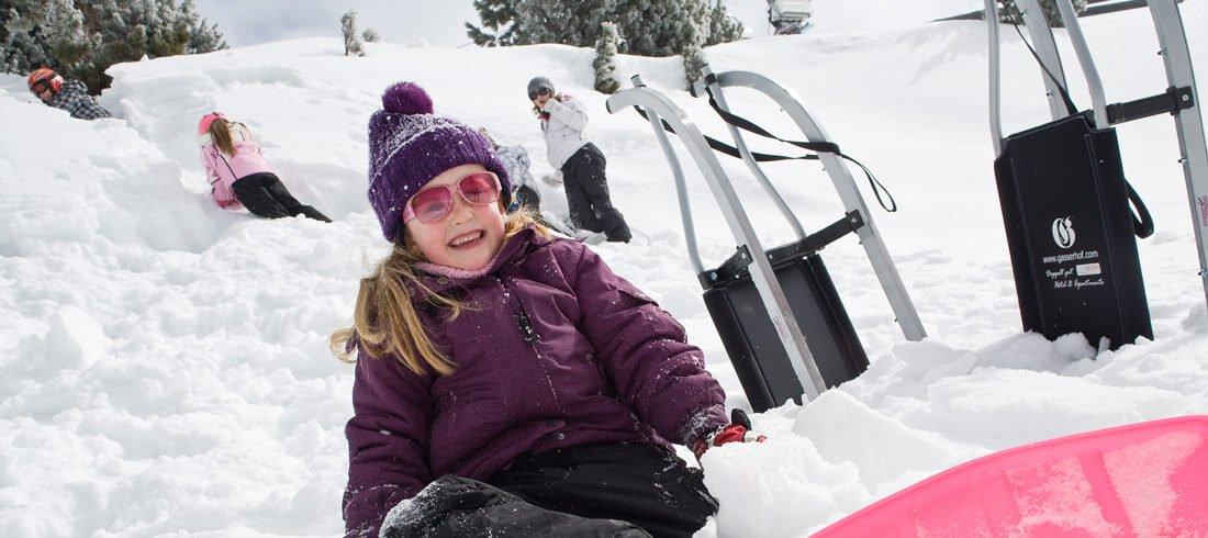 Winterfreuden genießen Schneeschuhwandern, Skitouren und Rodeln